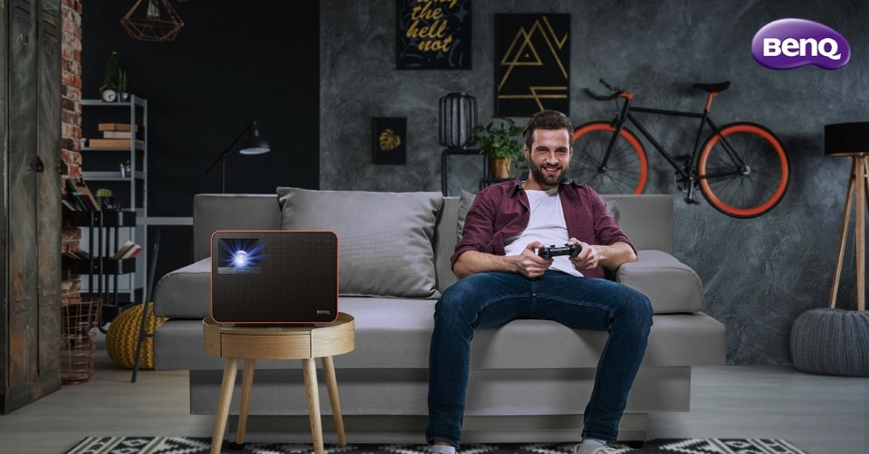 A BenQ bemutatja a világ első 4LED gamer projektorját