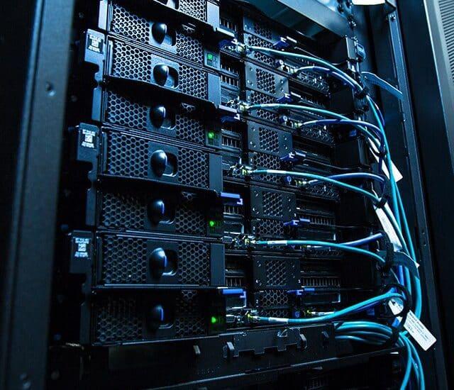 Az FSP Group bejelentette a hálózati és a PoE switch-csekhez tervezett open frame tápegységeit